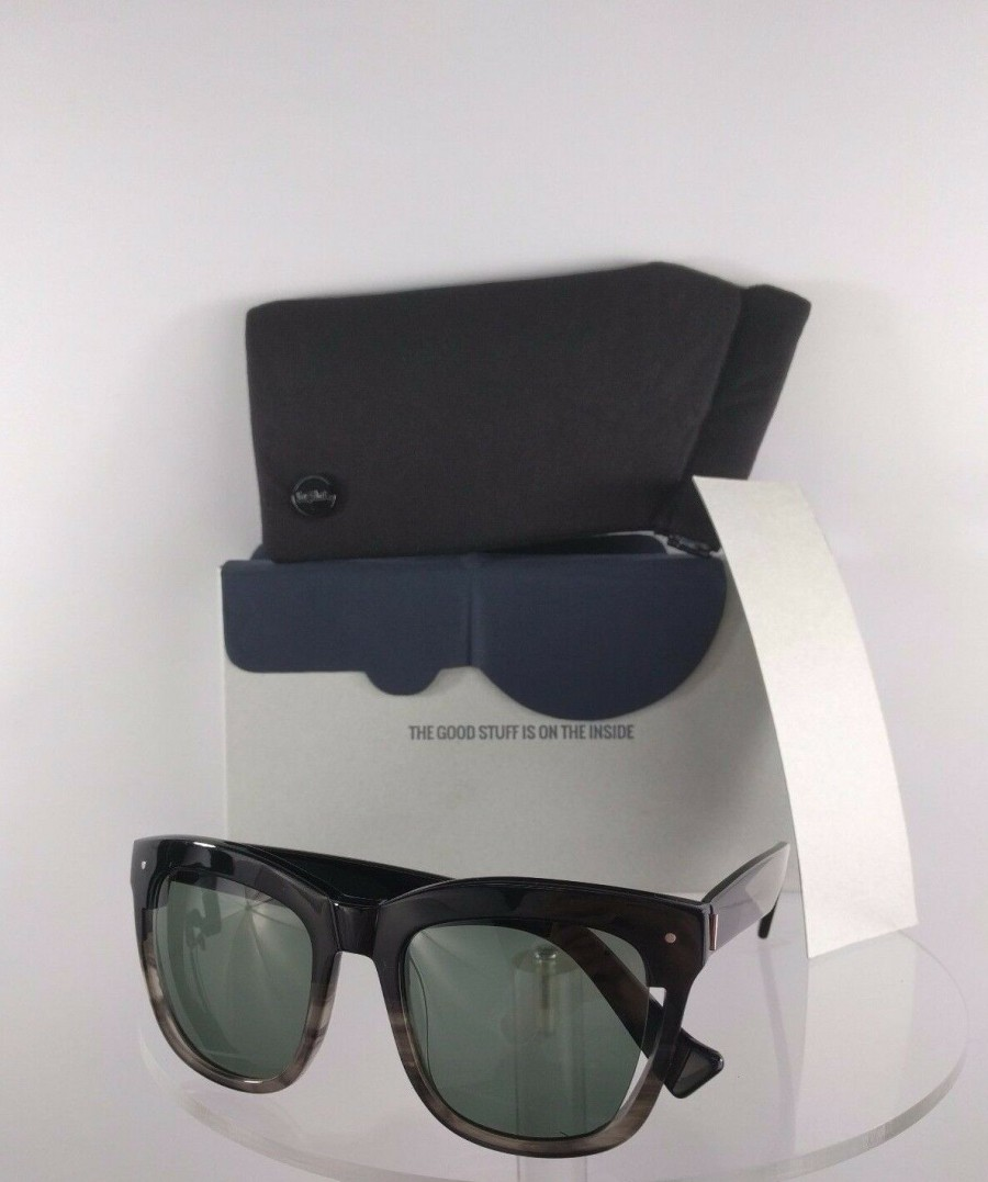 Grey Ant Carl Zeiss Optics Public Light Black Sunglasses